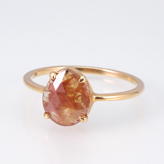 Pear shaped rosecut diamond ring / Red