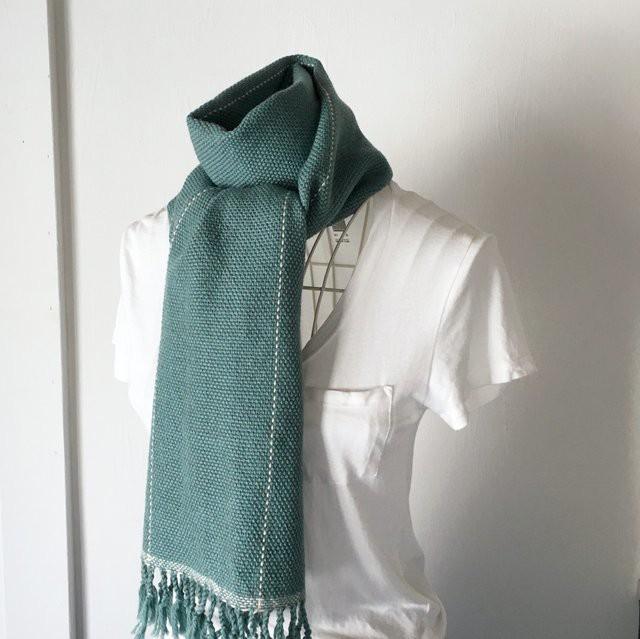 """【ベビーアルパカ:秋冬】ユニセックス:手織りマフラー """"Emerald green with White lines"""""""