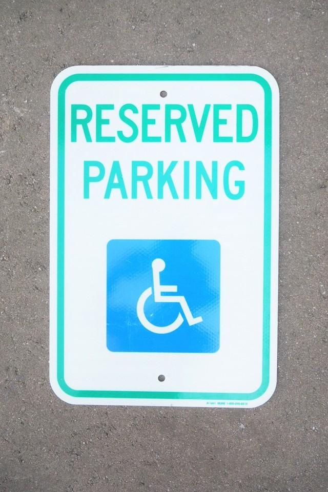 品番K-061 ハンディキャップ駐車 看板