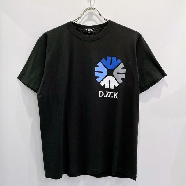 D.TT.K / FORCUS EMBREM TEE
