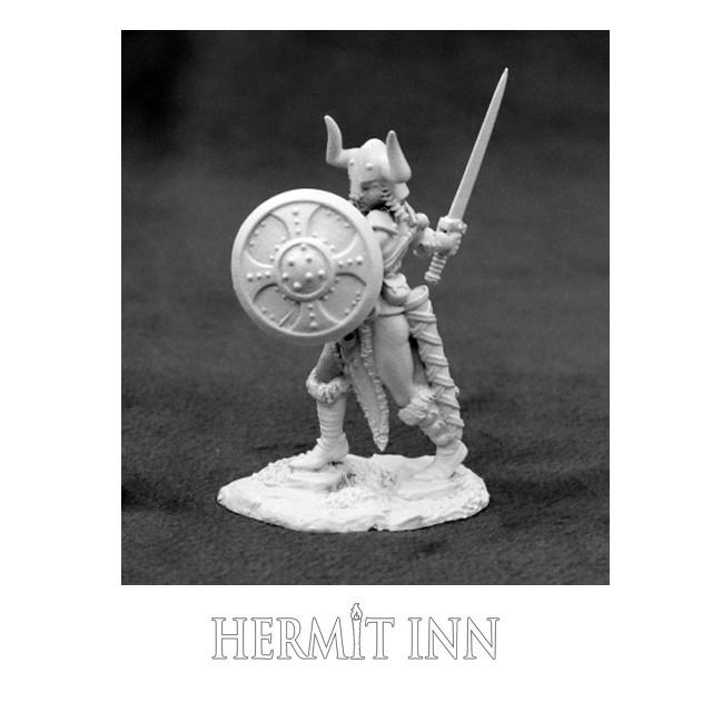 野人の女戦士(剣と盾) - メイン画像