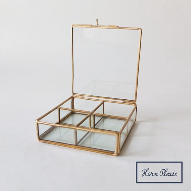 ガラスボックス4仕切りジュエリーボックスガラス4仕切り 真鍮フレームジュエリーボックス SI-308811