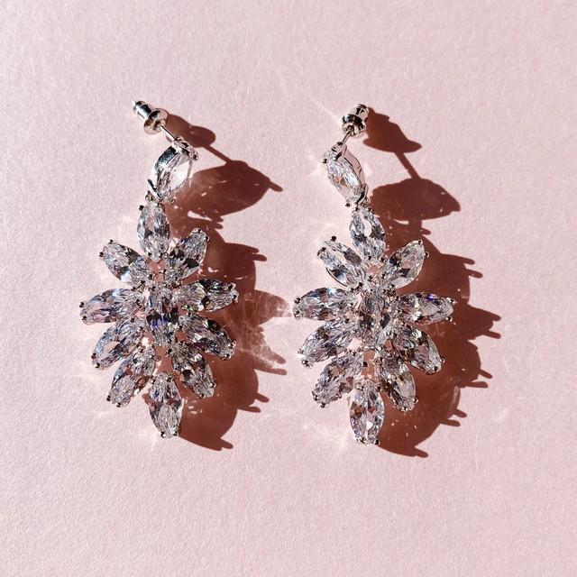 キュービックジルコニアCrystal confetti ピアス