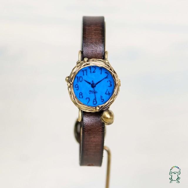 世の中の静寂を見つめるフクロウ腕時計S深青