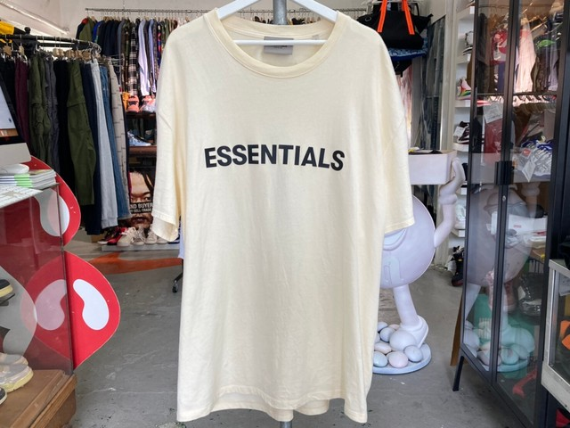 ESSENTIALSRUBBER PATCH LOGO BOXY TEE CREAM LARGE 35KG7675