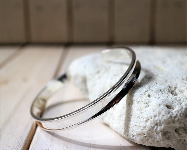 silver925バングル シンプル おしゃれ カジュアル 大人可愛いアクセサリー 辛口コーデ オフィス デイリー使い