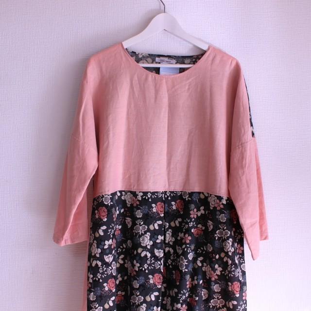 春色ピンクのカラーリネンと綿麻花柄生地ボックスタックワンピース 身幅60cm