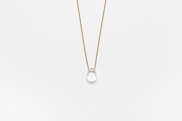 plain quartz necklace
