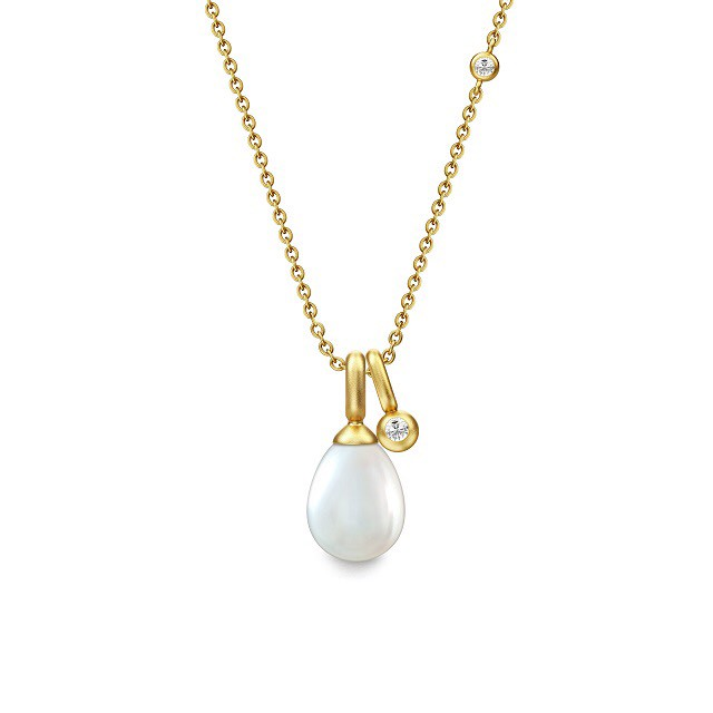 JULIE SANDLAU NATURE ESSENCE NECKLACE  WHITE PEARL