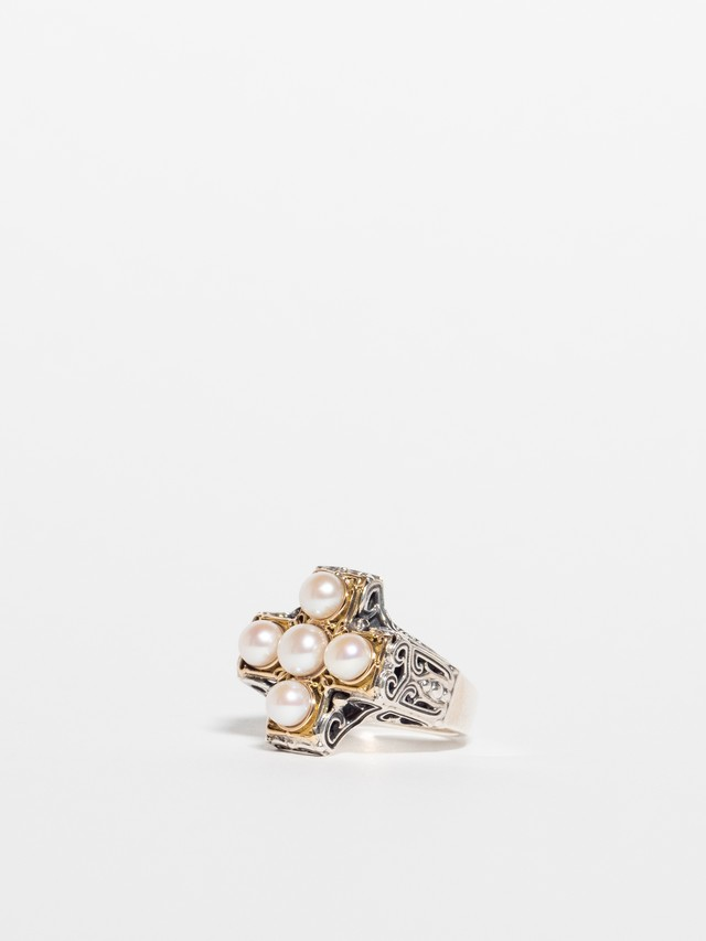 Classical Pearl Ring / Gerochristo