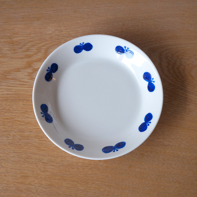butterfly wreath plate ( blue )