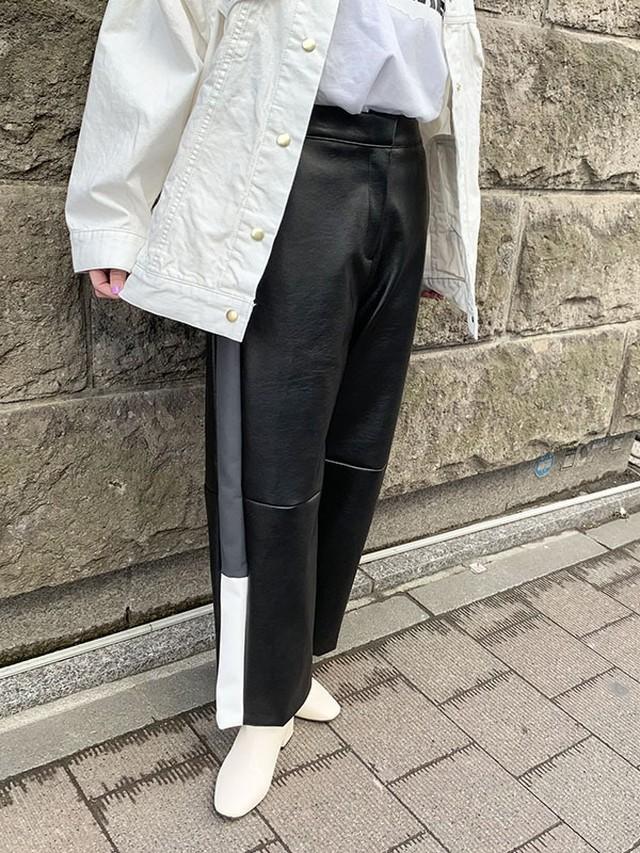 サイドラインレザー風パンツ[Color:ブラック]