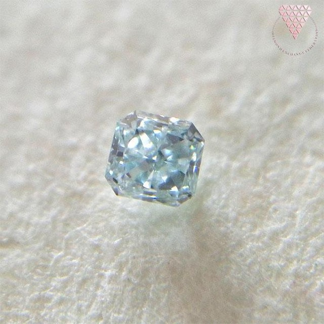 0.041 ct F. GRN-BLUE SI2 天然 ブルー ダイヤモンド