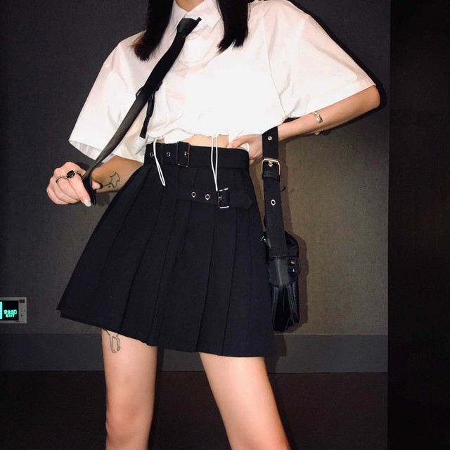 w belt pleat skirt