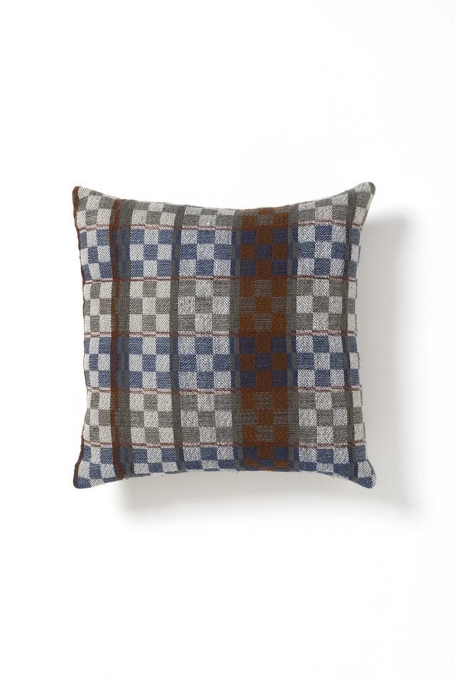 Aya Textile / オストヨータドレル 手織りのクッションカバー グレー・ブラウン・ブルー