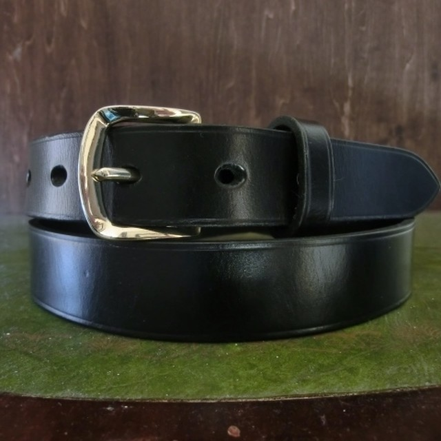 SHACKLE BUCKLE BELT