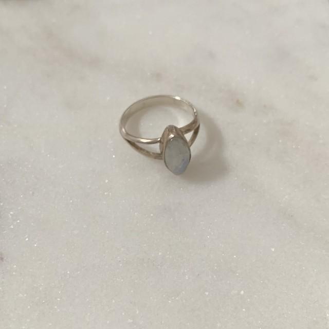 silver ring / ムーンストーン