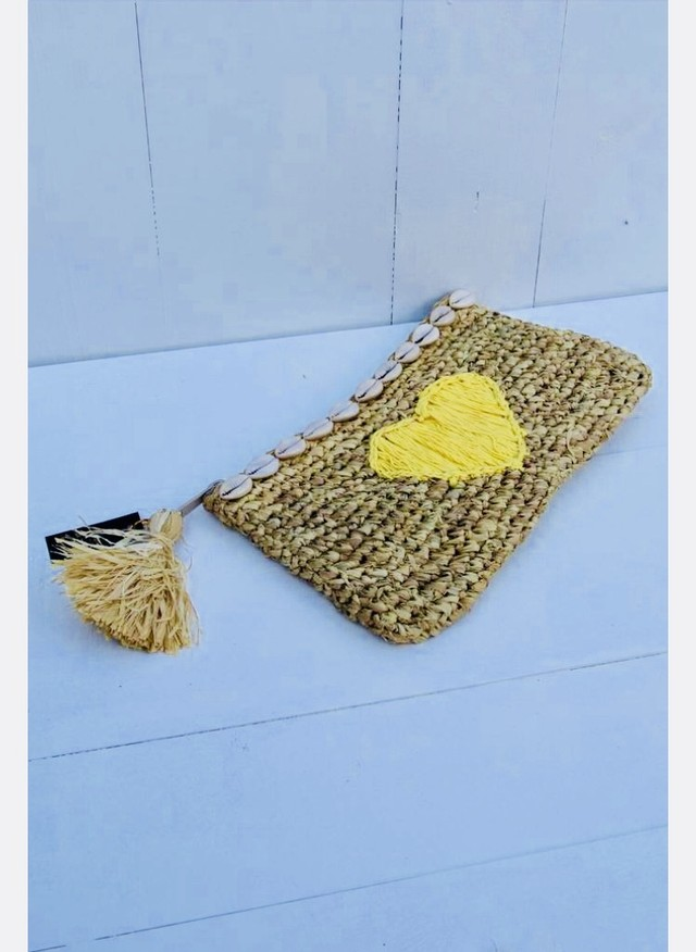 ◆Mon ange Louise◆ Clutch HEART(yellow)天然素材を使用した手編みのクラッチバッグ