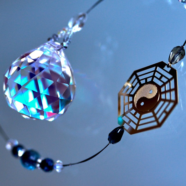 【アスフォー】水晶&八卦太極図*陰と陽のサンキャッチャー