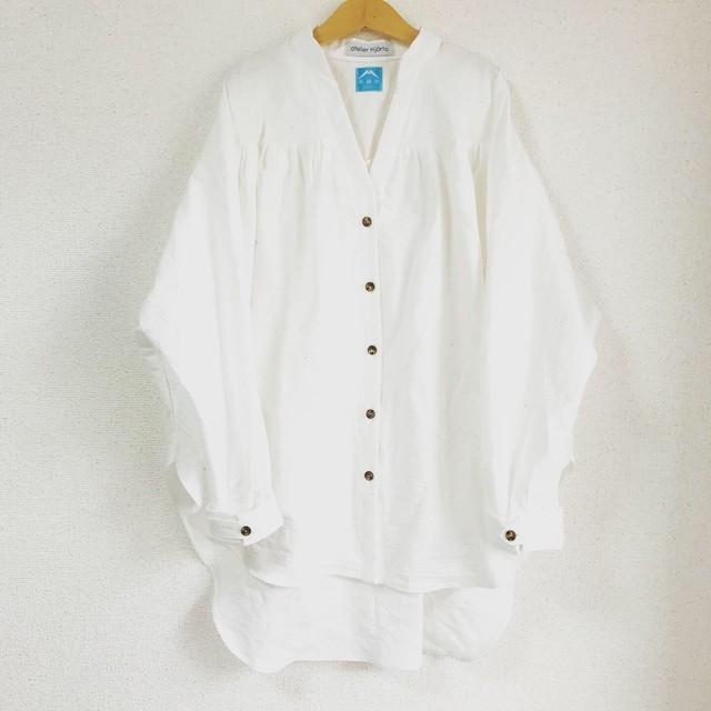 MUSHA 遠州織物 Vネックシャツブラウス WHT