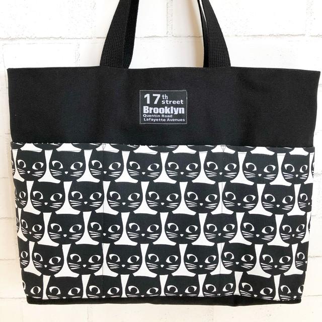 黒猫のモノトーンママバッグ