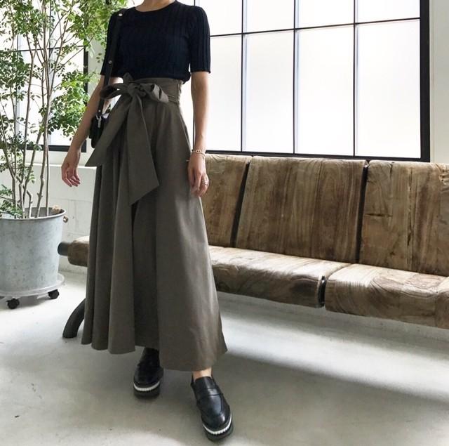 KU-UM×maki リボンマキシスカート グレイッシュカーキ