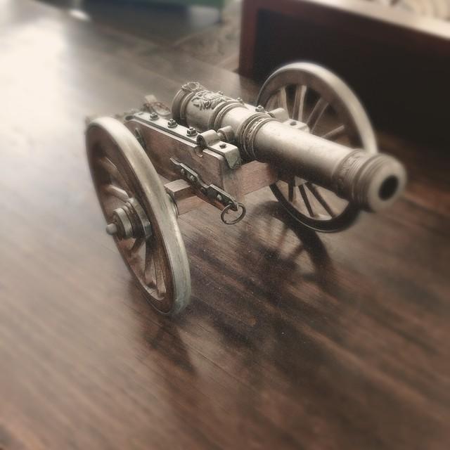 【V-7】ミニ大砲
