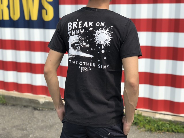 BREAK THROUGH TEE (green black)