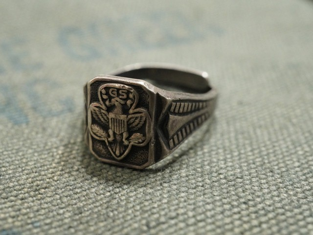 "MILITARY RING "" ARMY GS """