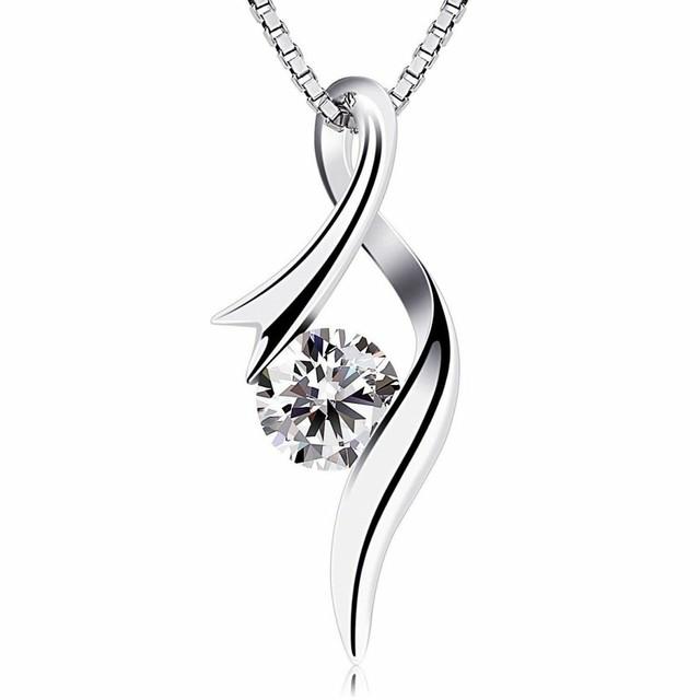 ネックレス エレガントなデザインダイヤ ダイヤモンド風