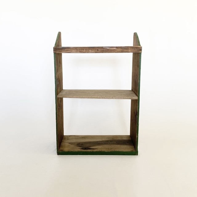 緑の木製の棚  shelf