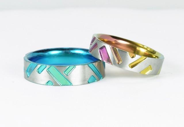 チタン結婚指輪 格子柄【流れ】カラー 和風柄のブライダルリング アレルギー対応