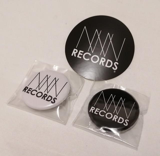 NNN RECORDS Original ステッカー&缶バッチ(BK&Wh)セット