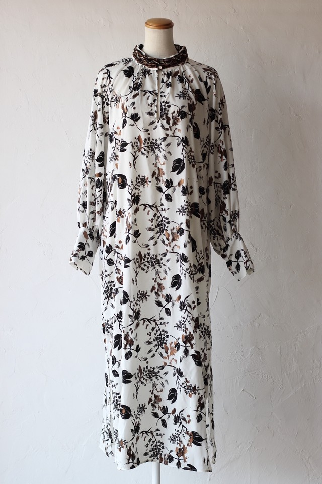 【EBONY】foil flower dress-white