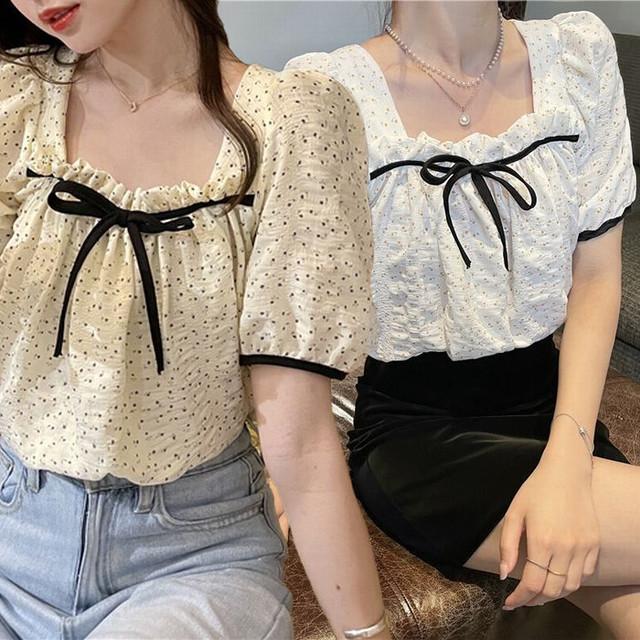 小花柄 ブラウス スクエアネック パフ袖 半袖 薄手 韓国ファッション レディース トップス 大人可愛い ガーリー フェミニン / Sweet floral square neck puff sleeve blouse (DTC-639992353910)