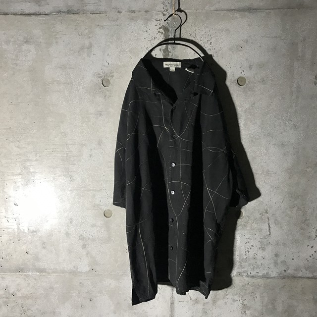 [used] dots line designed shirt