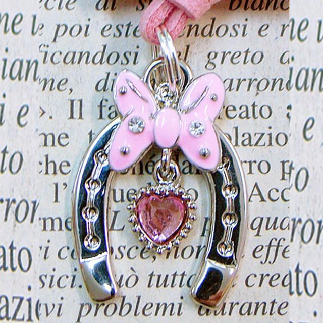 ◆幸運の馬蹄アクセサリー◆ ハート(はーと)9 蝶(ちょう・チョウ)とハート 「恋愛・結ばれる・幸せを運ぶ」