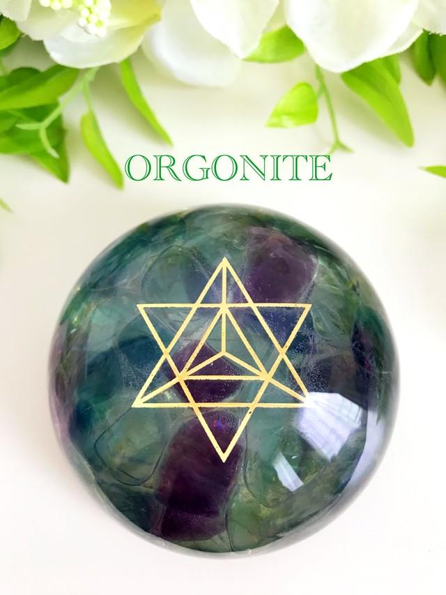 【脳や海馬・松果体を活性化・明晰性や記憶力を高める】ドーム型オルゴナイト・244 フローライト