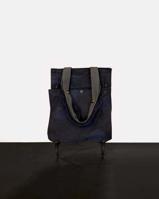 TrAnsference  camouflage pouch - midnight