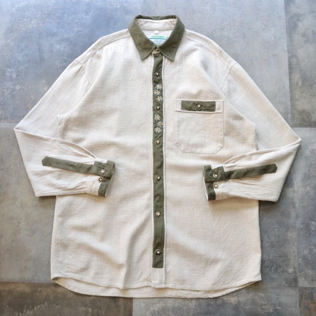 switching design Tyrolean shirt