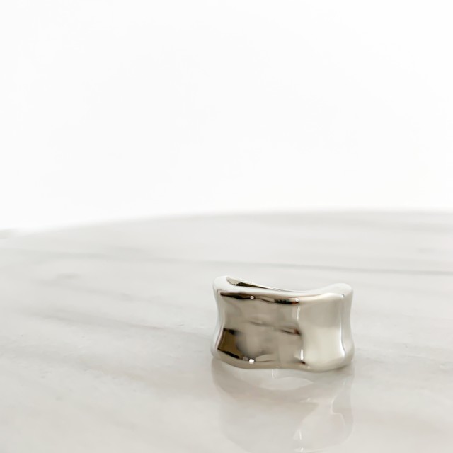 Silver wave wide ring