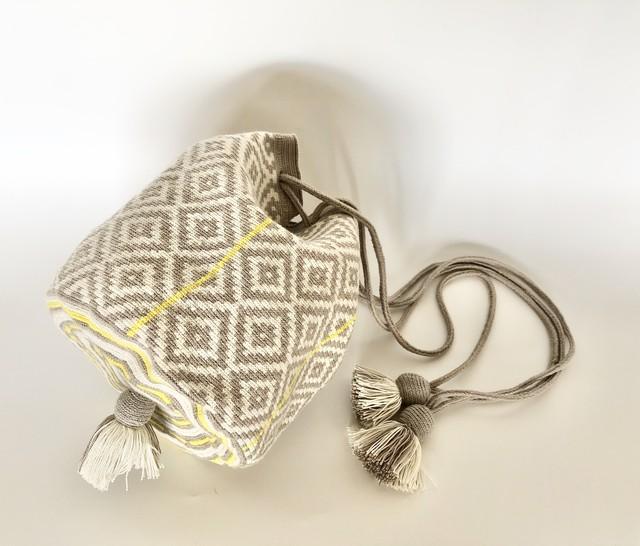 ワユーバッグ(Wayuu bag) Exclusive line Kinchaku Mサイズ