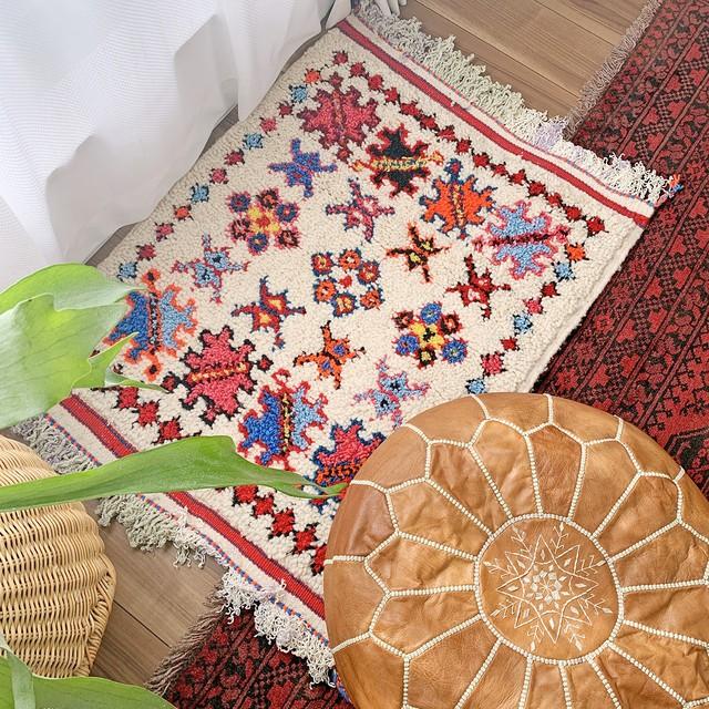 手織り アジラルラグ モロッカンラグ 玄関サイズ 鮮やかな色合いが魅力的
