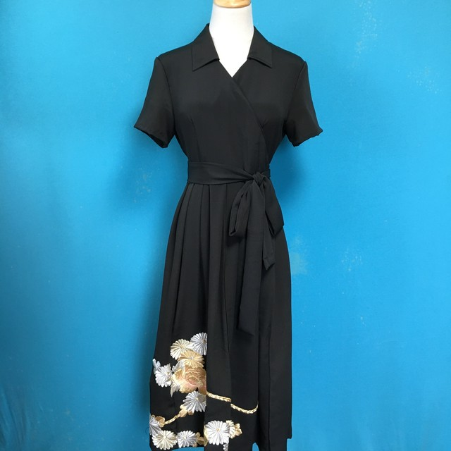 Vintage black kimono wrap dress/ US 8, gorgeous embroidery
