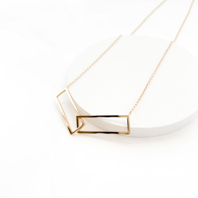 rectangle hoop necklace n396