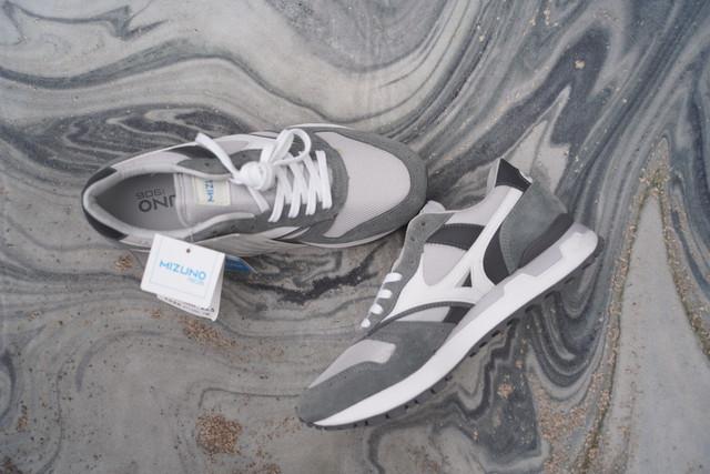 【2021winter SALE】 MIZUNO GV87 80s style dad sneaker  gry