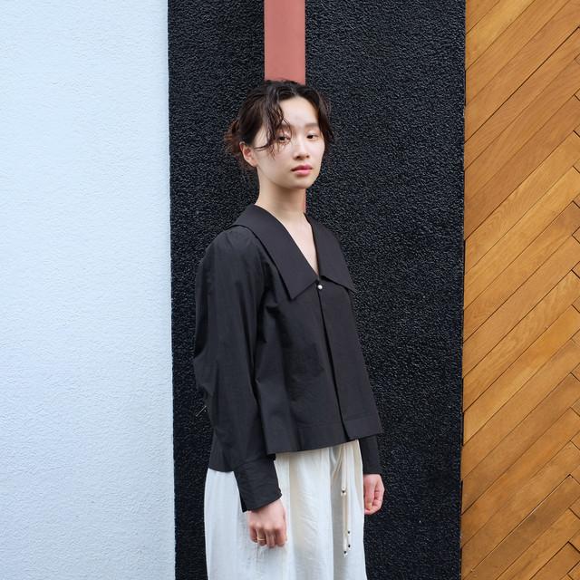 Sailor collar  blouse  [ Black ]