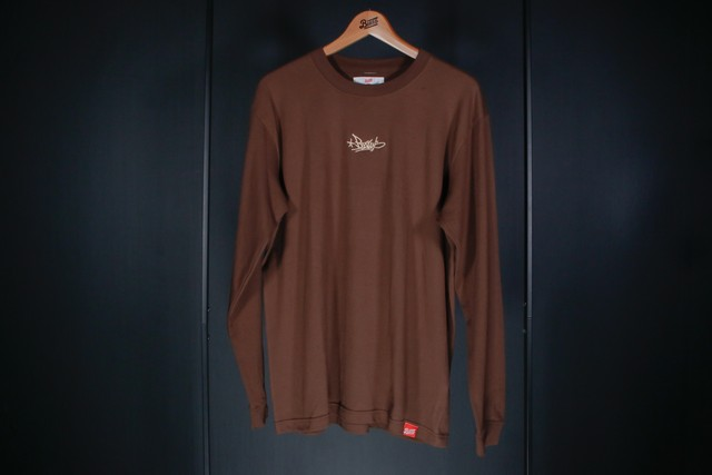 BZWS TAG L/S TEE [BROWN]