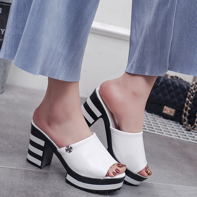 【shoes】セクシー好感度アップ美脚サンダル 22561189