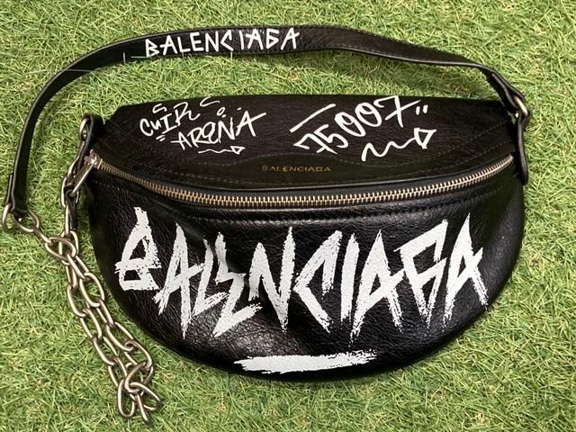 BALENCIAGA SOUVENIR GRAFFITI BELT BAG BLACK 250KC3630
